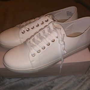 Brand New Size 11 JustFab white sneakers